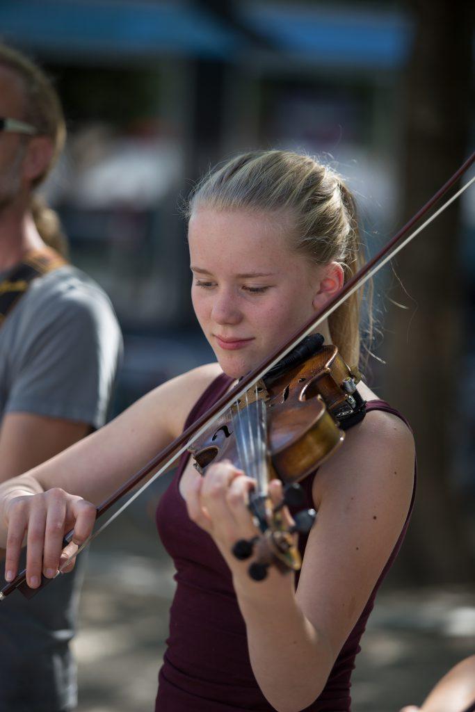 Leoni, Violine